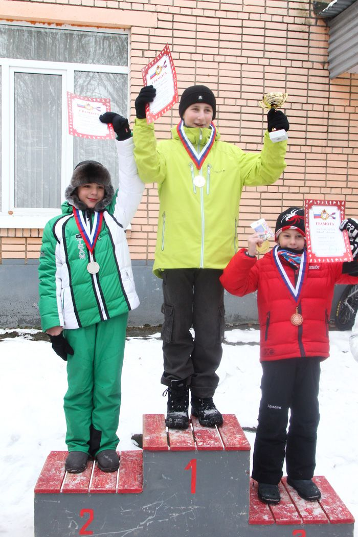 podium-b-01-02