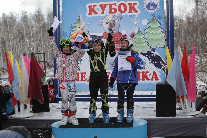 Кириллова Анастасия  1-е  место  в  слаломе.